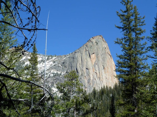Elephants Perch - 1,000' of sheer granite. Next trip I'll be prepared with a few more carabiners.