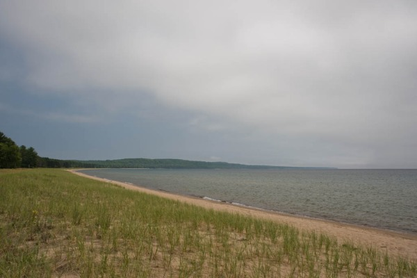 Pancake Beach had been recommended to me some days back - a beautiful stretch of Lake Superior coastline that looked this way for miles in both directions.