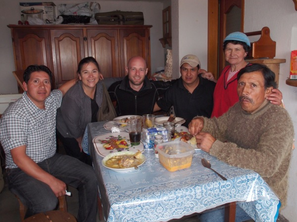 From L to R: Giovanni, Lucy, yours truly, Marcello, Faviola, and Don Luis enjoying a delicious dinner.