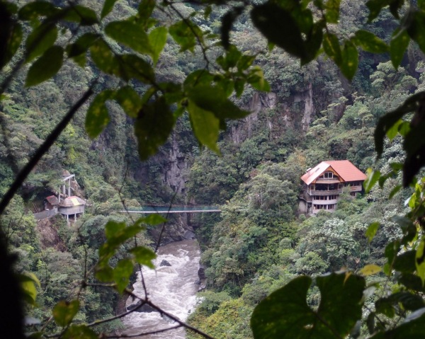 Hiking down to the Rio Pastaza for a view of the Pailón del Diablo waterfalls.