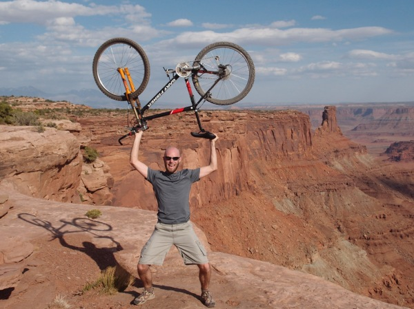 Riding the Big Chief Loop of Dead Horse Point's Intrepid trail system.