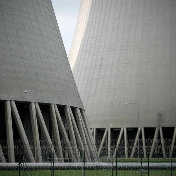 The 1,000 MW Temelín Nuclear Power Station near České Budějovice.