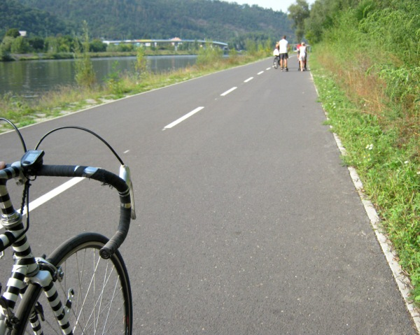 Approaching Prague on  excellent pedestrian / bicycle paths.