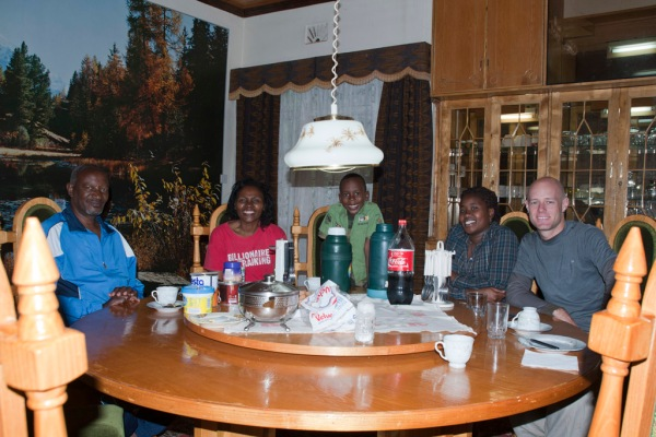 Friendship and accommodation with Maito's friend Gatimu at his house in Nyeri.