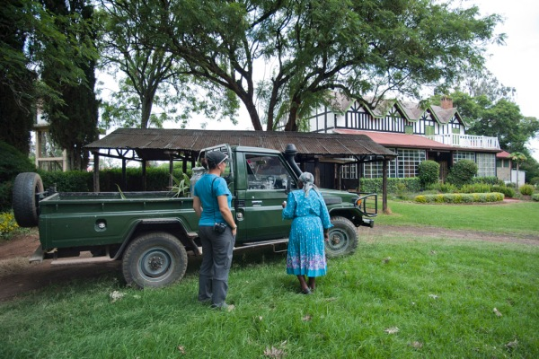 Eugenia and Shosho arriving home to Shosho's magnificent estate.
